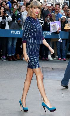 Taylor Swift Shows Off Her Pins In Print Co-Ords