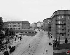 Krakow, Old Photos, Poland, Louvre, Street View, Building, Travel, Data, City