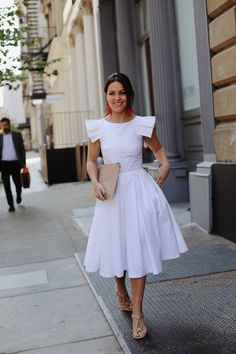 The Little Magpie Ted Baker white dress wedding Amy in Ted Baker dress with Whistles clutch bag next to building Modest Dresses, Modest Outfits, Simple Dresses, Modest Fashion, Pretty Dresses, Beautiful Dresses, Casual Dresses, Fashion Dresses, Summer Dresses