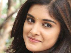 Papanasam fame Nivetha Thomas is all set to rock Telugu cinema through her movie with Nani. Indian Actress Photos, South Indian Actress, Indian Actresses, Actors & Actresses, Nivedha Thomas, Aunty In Saree, Perfect Lips, Girl With Curves, Asia Girl