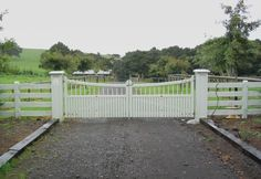 http://www.woodengates.co.nz/wooden-gates-and-fences/traditional-styles-gates/homestead