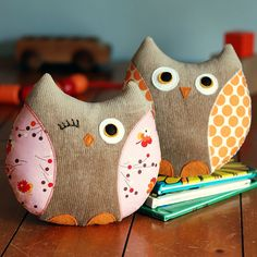 Owl Sewing Pattern - Stella and Stewart Owl Softies PDF Sewing Pattern - Owl Toy - Owl Pillow Softies, Sewing Toys, Sewing Crafts, Sewing Projects, Owl Fabric, Fabric Crafts, Scrap Fabric, Owl Crafts, Kids Crafts