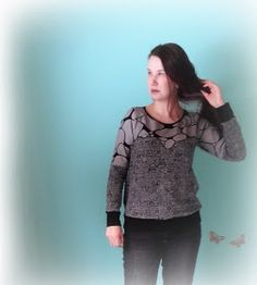 muntaipale - kankaita ja ompeluniloa: Collegepaita twistillä (2/2) Graphic Sweatshirt, Sweatshirts, Sweaters, Fashion, Moda, Fashion Styles, Trainers, Sweater, Sweatshirt