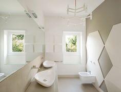 Italian bathrooms #3: un bagno senza piastrelle | Una carrellata di immagini di stanze da bagno realizzate da architetti italiani [ via @homify.it] *** A gallery of pictures of interior projects designed by italian architects *** #Italianbathrooms #bathroominteriors #madeinItaly - tks to @homify.it