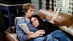 Love Story Oliver Barrett IV is played by Ryan O'Neal and Jennifer Love Story Movie, Movie Tv, Ali Macgraw Love Story, Ryan O'neal, Romance Film, Movie Couples, Book Club Books, Best Tv, American Actress