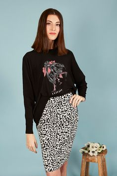 FALDA ELÁSTICA ANIMAL PRINT | Teria Yabar Primavera Verano 2020 Sequin Skirt, Sequins, Animal, Skirts, Fashion, Vestidos, Spring Summer, Moda, Skirt