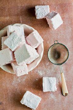 Homemade Rhubarb Marshmallows | hummingbird high || a desserts and baking blog
