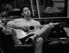 Nick Jonas Instagram, Hot Men, Hot Guys, Best Party Songs, John Stamos, Joe Jonas, Jonas Brothers, Big Sean, Celebrity Dads
