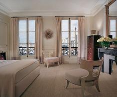 ~Interior designer Thomas Pheasant's Paris bedroom.