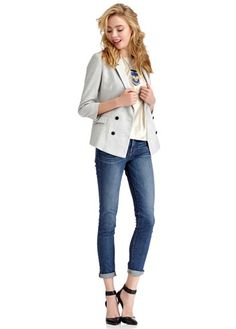 perfect casual outfit. love the jacket, shoes and statement necklace.