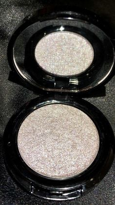Shine like you belong in the stars with our vegan silver highlighter. For all skin tones.