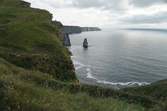 #cliffsofmoher #klippenvonmoher #cliffs #landschaft #landscape #leinwand #BabettsBildergalerie #ireland #irland Cliffs Of Moher, Land Scape, Illustration, River, Outdoor, Pictures, Printing On Wood, Artist Canvas, Canvas Frame