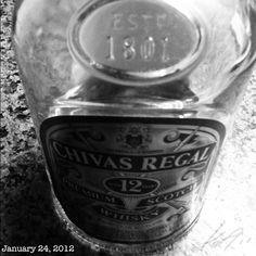 最近は専らこんなんですわ。 腹と背中痛いけどね。 #scotchwhisky #philippines
