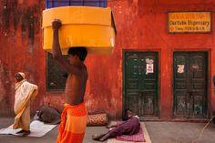 Heavy, Kolkata Worker and homeless people, Ganga Seva Samity Charitable Dispensary. Haveli India, Blog Tumblr, Image T, India Asia, Visit India, Homeless People, West Bengal, India Travel, Kolkata