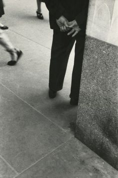 Saul Leiter - Howard Greenberg Gallery - Early Black and White - 2014 Saul Leiter, History Of Photography, City Photography, Glamour Photography, People Photography, Lifestyle Photography, Editorial Photography, Fashion Photography, Vivian Maier