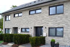 Brick Construction, Planer, Garage Doors, Outdoor Decor, House, Home Decor, Buildings, Facades, Facade House