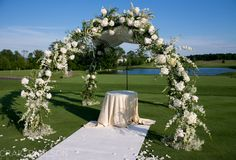 Floral Design by Crest Florist, East Hanover, NJ  Photography - Craig Paulson Photography  Venue - Trump National Golf Course, Bedminster, NJ