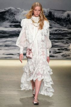 Runway pictures from the Zimmermann Spring 2020 Fashion Show. NY Designer Ready-To-Wear collections, runway looks, models, beauty Runway Fashion, High Fashion, Fashion Show, Fashion Trends, Sophisticated Wedding Dresses, Vogue Magazine, Lace Fabric, Dream Dress, Ready To Wear