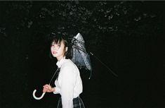 Aesthetic Japan, Film Aesthetic, Aesthetic Anime, Japanese Film, Portrait Photography Poses, Ghibli Movies, Vintage Scrapbook, Japan Girl, Japan Fashion