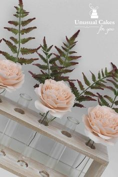Learn how to make beautiful realistic gumpaste Fern. This tutorial is extremely comprehensive so great for the beginner or the advanced. It covers every step...