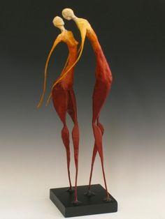 Paper pulp and wire sculpture by Lila Turjanski-Villard    http://www.lilaturjanski.com/