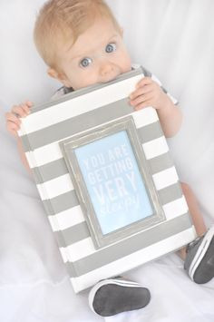 Darling quote wall plack--would be easy to do for any decor! All you need is a dollar frame and a wooden plaque. #craft #plaque #frame
