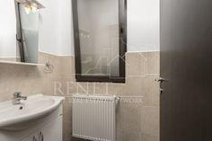 Vila Pipera Porsche - Renet Jacuzzi, Bathroom Lighting, Porsche, Mirror, Furniture, Home Decor, Bathroom Light Fittings, Bathroom Vanity Lighting, Decoration Home