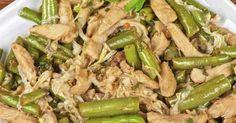 Aprenda como elaborar essa receita simples de frango com vagem e cebola. A dica abaixo rende aproximadamente 6 porções.  Leia também:Receita de omelete de espinafreBatata assada para rechearMacarrão fácil com rúculaIngredientes:3 colheres (sopa) de azeite de oliva1 cebola grande fatiada1