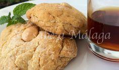 Tortas de aceite y vino dulce de Málaga
