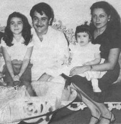 Kareena Kappor and family - we found this old pic from a blogger