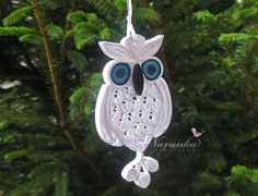 Ähnliche Artikel wie Owl always love you - Paper Quilling Owl in a gift box ,Paper Quilled White Owl,Filigree, Paper Anniversary, Mothers Day Snowy Owl auf Etsy Quilling Animals, Paper Quilling Designs, Quilling Jewelry, Quilling Paper Craft, Quilling Patterns, Paper Crafts, Quilling Christmas, Christmas Ornaments, Christmas Tree