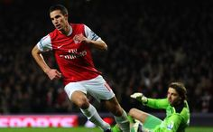 RVP scoring Arsenal's 1st goal against Newcastle....pure class!