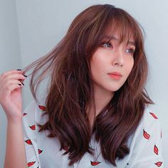 Are you searching for hair care tips? Hairstyle For Long Hair. Kathryn Bernardo Hairstyle, Kathryn Bernardo Outfits, Haircuts With Bangs, Hairstyles With Bangs, Full Bangs Hairstyle, Hot Hair Styles, Medium Hair Styles, Hair Color For Morena, Filipina Beauty