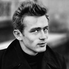 I don't think I've ever seen this picture. Jimmy Dean, James Dean Photos, East Of Eden, Bad Picture, British Comedy, World Star, Black And White Portraits, Famous Men, Best Actor