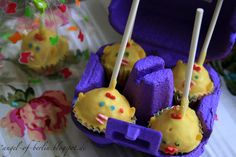 Angel of Berlin: [bakes...] Chicklet Cake Pops for Easter