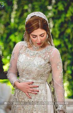 Simplicity at its peak 💕 Wedding Dresses For Girls, Indian Wedding Outfits, Girls Dresses, Max Dresses, Beautiful Pakistani Dresses, Pakistani Formal Dresses, Nikkah Dress, Mahira Khan Dresses, Shadi Dresses
