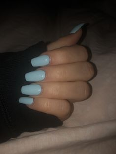 Semi-permanent varnish, false nails, patches: which manicure to choose? - My Nails Blue Acrylic Nails, Summer Acrylic Nails, Pastel Blue Nails, Aycrlic Nails, Swag Nails, Grunge Nails, Different Acrylic Nail Shapes, Light Blue Nails, Fire Nails