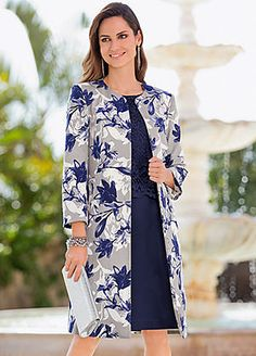 Together Collarless Floral Print Coat Source by olgavalai Iranian Women Fashion, Latest Fashion For Women, Ladies Fashion, Asian Fashion, African Fashion Dresses, African Dress, Blazer Fashion, Fashion Outfits, Dress Fashion