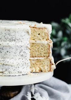 A luxurious Lemon Poppyseed Cake with lemon cream cheese frosting. A luxurious Lemon Poppyseed Cake with lemon cream cheese frosting. Source by cocoonapothecary Bon Dessert, Low Carb Dessert, Dinner Dessert, Yummy Treats, Sweet Treats, Yummy Food, Recipe Treats, Köstliche Desserts, Dessert Recipes