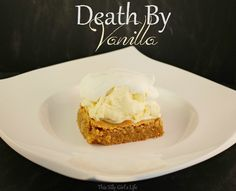 Death By Vanilla: Slightly warm vanilla blondie, vanilla ice cream and topped off with freshly whipped vanilla bean whipped cream. Brownie Desserts, Brownie Bar, Easy Desserts, Dessert Recipes, Bar Recipes, Brownie Recipes, Frozen Key Lime Pie, Baking Buns, Recipes With Whipping Cream