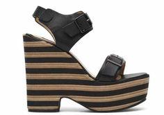Dopo aver tanto parlato di abbigliamento e borse, ci occupiamo anche di calzature sfogliando il catalogo di Fornarina scarpe 2017 primavera estate. Le iconiche sneakers si affiancano ai freschi sandali e alle zeppe. Ecco le più belle proposte della nuova collezione del marchio che abbiamo selezionato per te. La nuova collezione di scarpe Fornarina primavera …