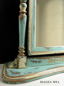 Magia Mia: Before & After: Chippy Chalk-Painted Aqua Dresser Mirror