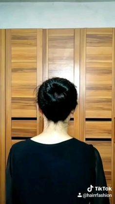 Hairdo For Long Hair, Bun Hairstyles For Long Hair, Diy Hairstyles, Front Hair Styles, Medium Hair Styles, Hair Style Vedio, Hair Tutorials For Medium Hair, Hair Ponytail Styles, Triangle Hair