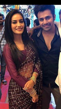 Hindi Actress, Bollywood Actress Hot, Bollywood Celebrities, Tv Actress Images, Cute Couples Photos, Wedding Couple Poses, Fancy Blouse Designs, Stylish Sarees, Saree Look