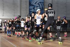 """A STRANGENESS IN ME: ROLLER DERBY   Bootcamp weekend with """"reaper"""""""