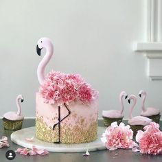 Beautiful cake inspiration from 💗😍 __________________ Follo .- Schöne Kuchen Inspiration von 💗😍 __________________ Follo … Beautiful cake inspiration from 💗😍 … - Pretty Cakes, Cute Cakes, Beautiful Cakes, Amazing Cakes, Flamingo Birthday, Pink Flamingo Party, Flamingo Flower, Pink Flamingos, Animal Cakes