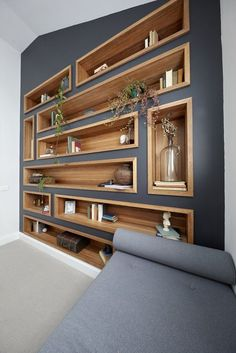 Delightful Furniture Living Room Awesome diy easy cheap book storage bookshelf ideas Furniture Arranging for Small Living Rooms Deco Design, Design Case, Design Design, Small Living Rooms, Living Room Decor, Shelf Ideas For Living Room, Family Rooms, Living Room Renovation Ideas, Gray Living Room Walls