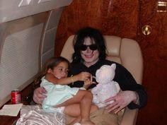 He Was A Gift... - Michael Jackson foto (10389315) - Fanpop Michael Jackson Bad, Michael Jackson Neverland, Photos Of Michael Jackson, Chris Tucker, Jackson Family, Jackson 5, Familia Jackson, Paris Jackson, King Of Music