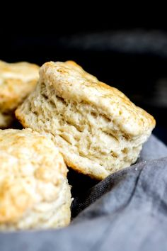 side layers of Baking Powder Biscuits Old Time Biscuit Recipe, Old Fashioned Biscuit Recipe, Best Biscuit Recipe, Fluffy Biscuits, Drop Biscuits, Buttermilk Biscuits, Biscuits For Strawberry Shortcake, Shortcake Biscuits, Biscuit Home