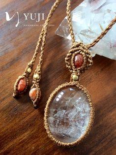レインボー水晶 ネックレス | Yuji macrame creations